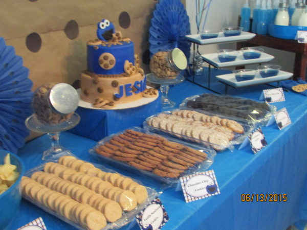 Cookie Monster Birthday Party Cake table ideas