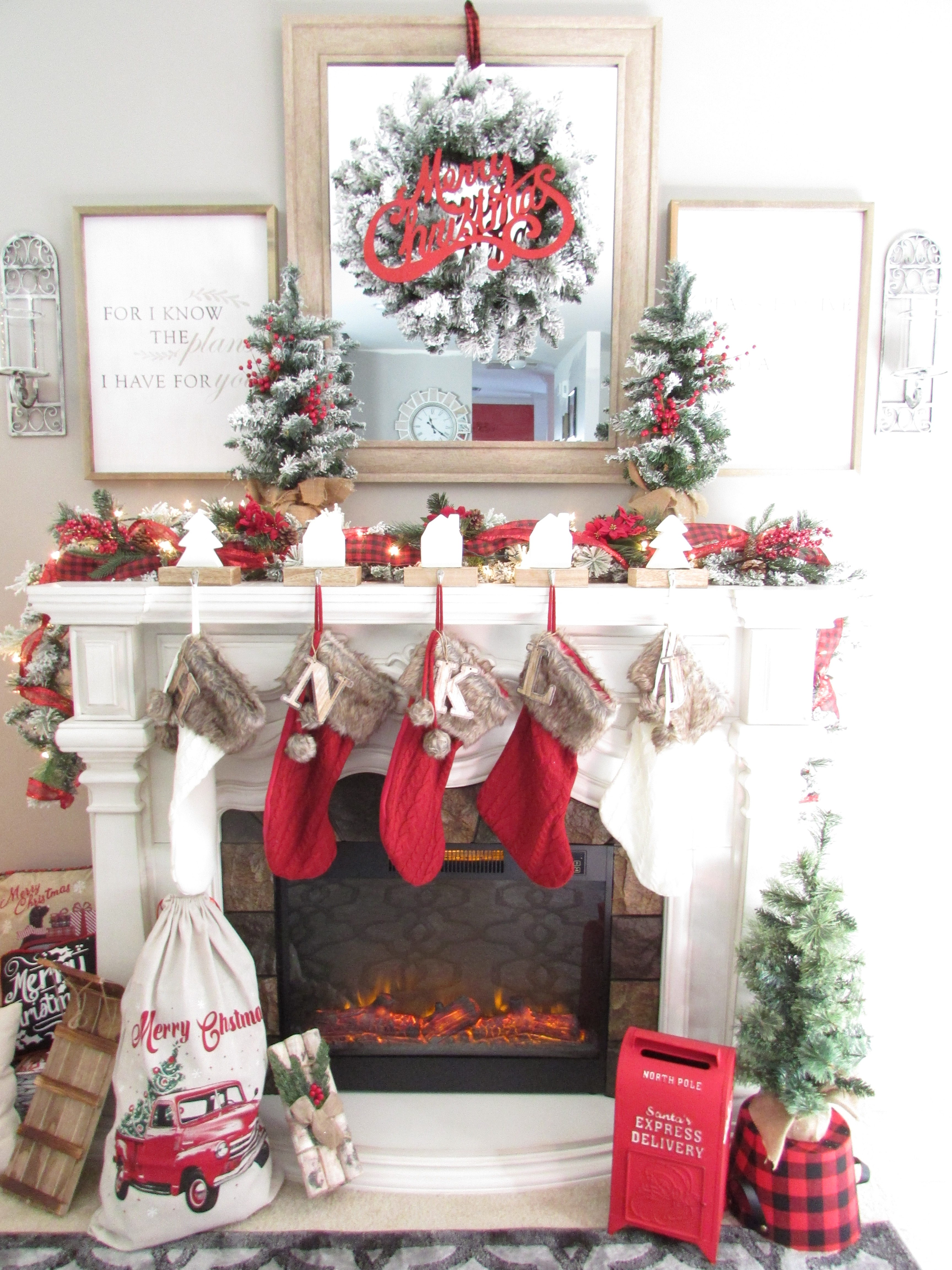 Tips For Creating A Simple Rustic Christmas Mantel